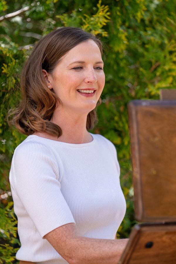 Photo of Kelli Folsom painting